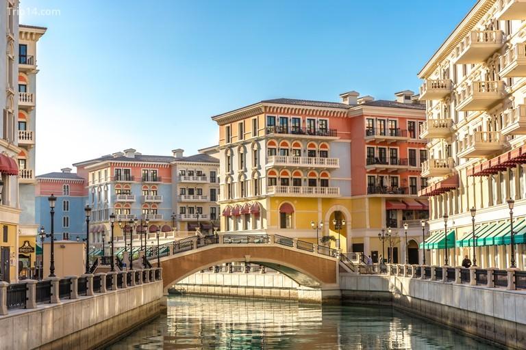 Qanat Quartier evokes the style and charm of Venice