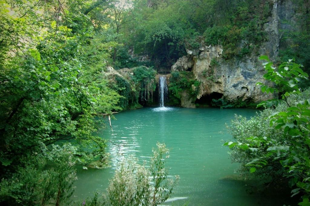 Thác nước Hotnitsa ở Bulgaria Tôi © Nadyanm / WikiCommons - Trip14.com