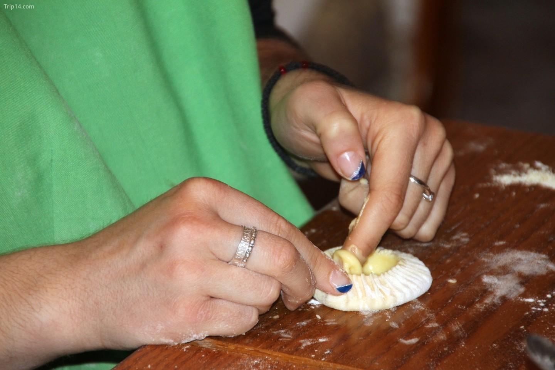 Làm bánh melitinia