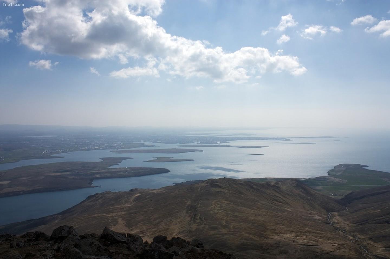 Reykjavik, Mosfellsbær, và Seltjarnarnes từ đỉnh Esja   |