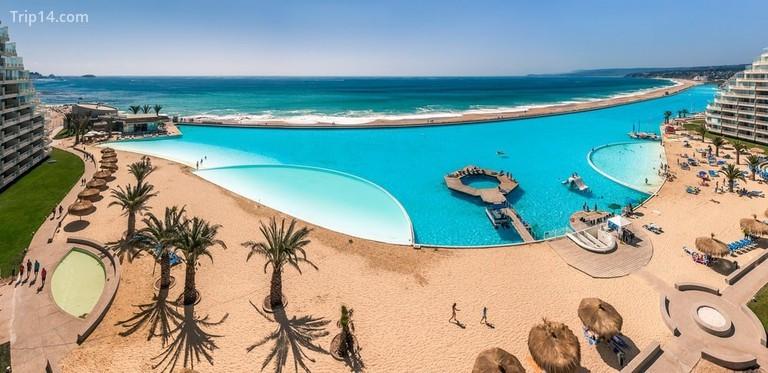 San Alfonso del Mar © Pierre-Yves Babelon / Shutterstock