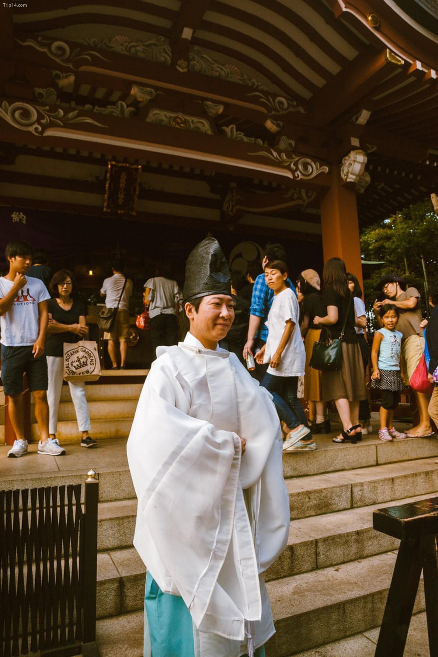 Linh mục Shinto tại Lễ hội Kichijoji   |   Mithila Jariwala /