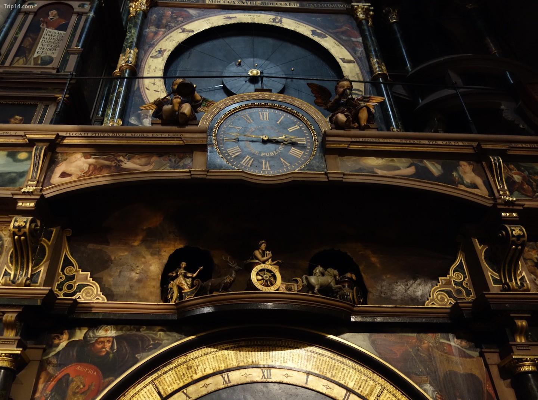 Đồng hồ thiên văn nổi tiếng ở Nhà thờ Strasbourg