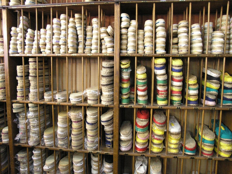 Cửa hàng bán cà phê espardenyes truyền thống    