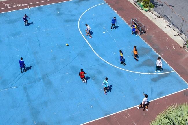 Chơi futsal trong thành phố