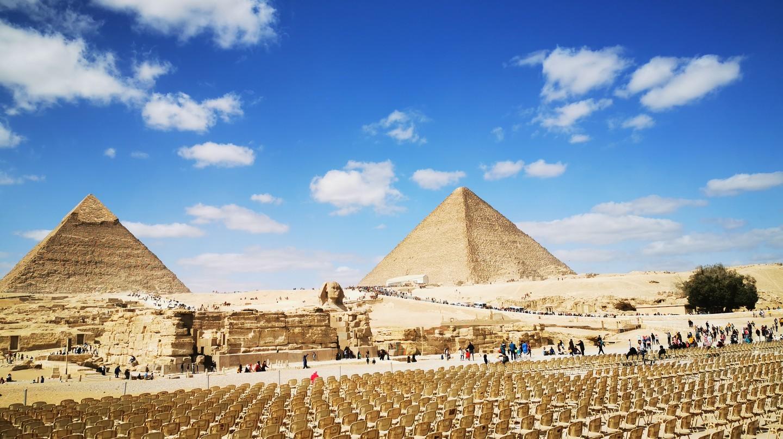 Tham quan các di tích lịch sử nổi tiếng ngay tại nhà của bạn