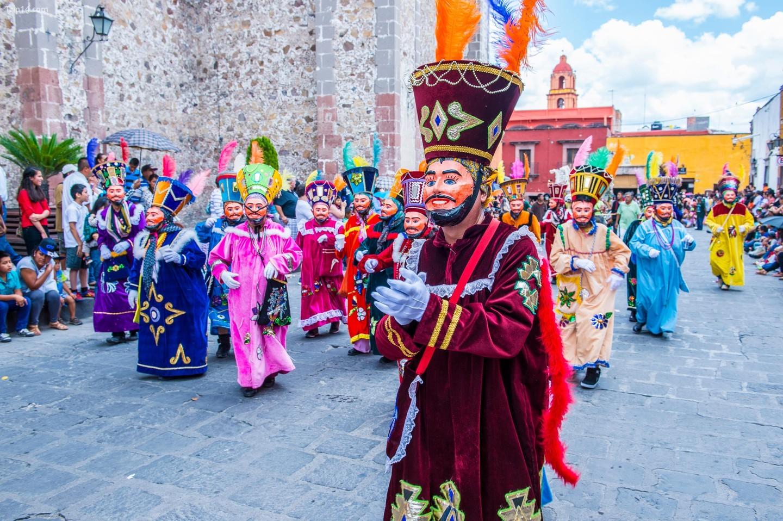 Điệu nhảy Chinelos chọc cười những người định cư Tây Ban Nha   |   Được sự cho phép của