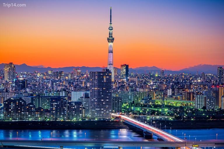 Tokyo Skytree lúc hoàng hôn
