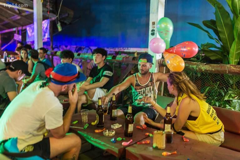 Khách sạn tại quán bar Vang Vieng, Lào - Trip14.com