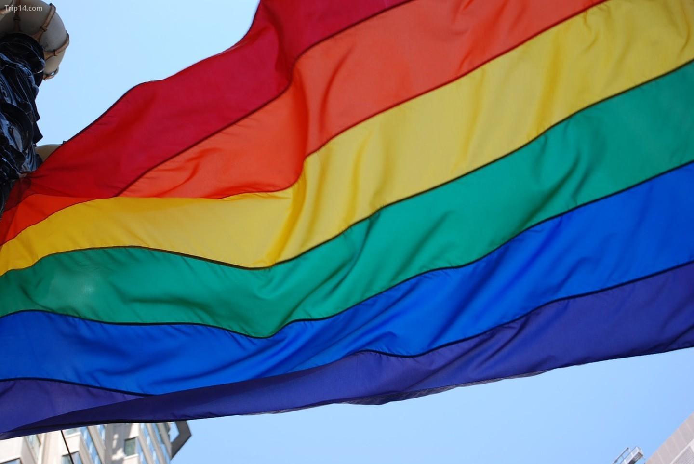LGBT là bất hợp pháp ở Brunei vì luật sharia nghiêm ngặt của họ
