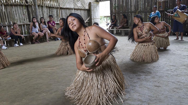 Múa truyền thống của bộ lạc vùng Amazon |  © Vibeke Johannessen / Người Viking ở nước ngoài