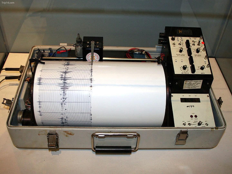 Máy đo địa chấn