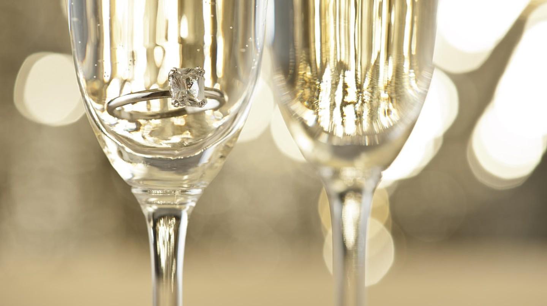 Rượu sâm banh |  © 3525studio / Shutterstock