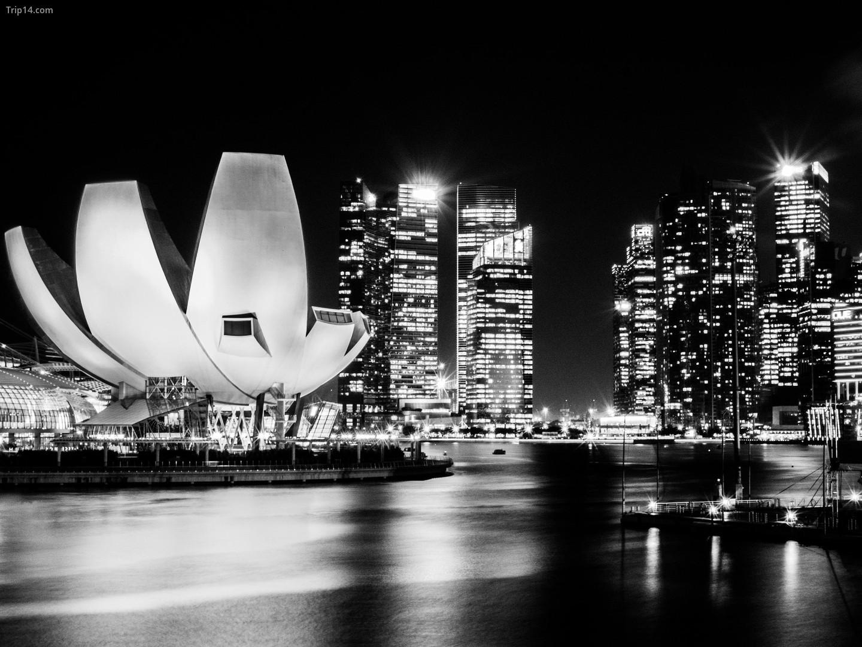 Một góc nhìn đơn sắc của Singapore   |
