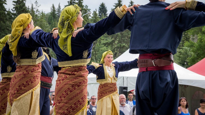 Khám phá những điệu nhảy truyền thống của người Hy Lạp