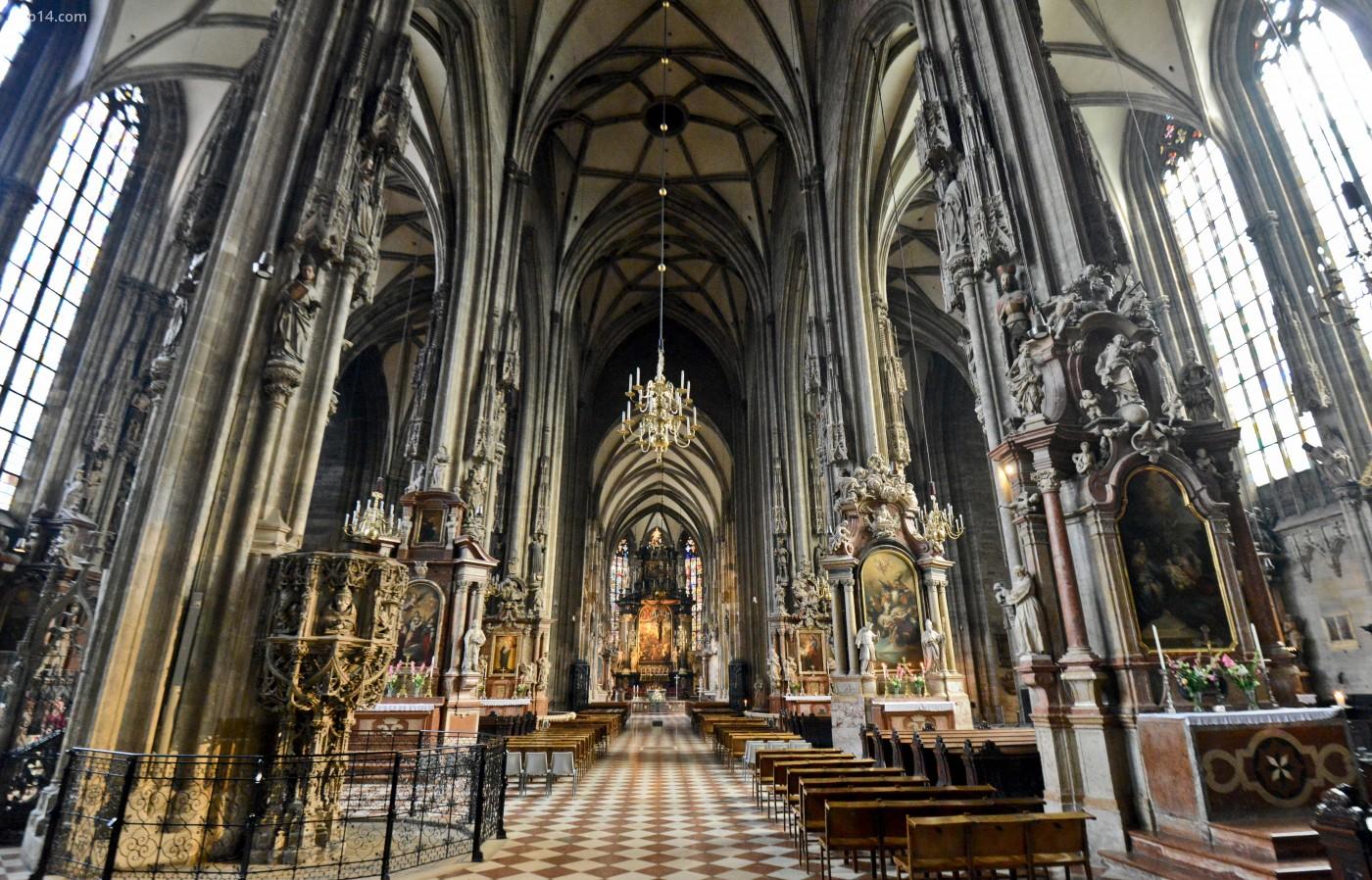 Nội thất Nhà thờ St. Stephen (Stephansdom). Thủ đô Viên, nước Áo. - Trip14.com