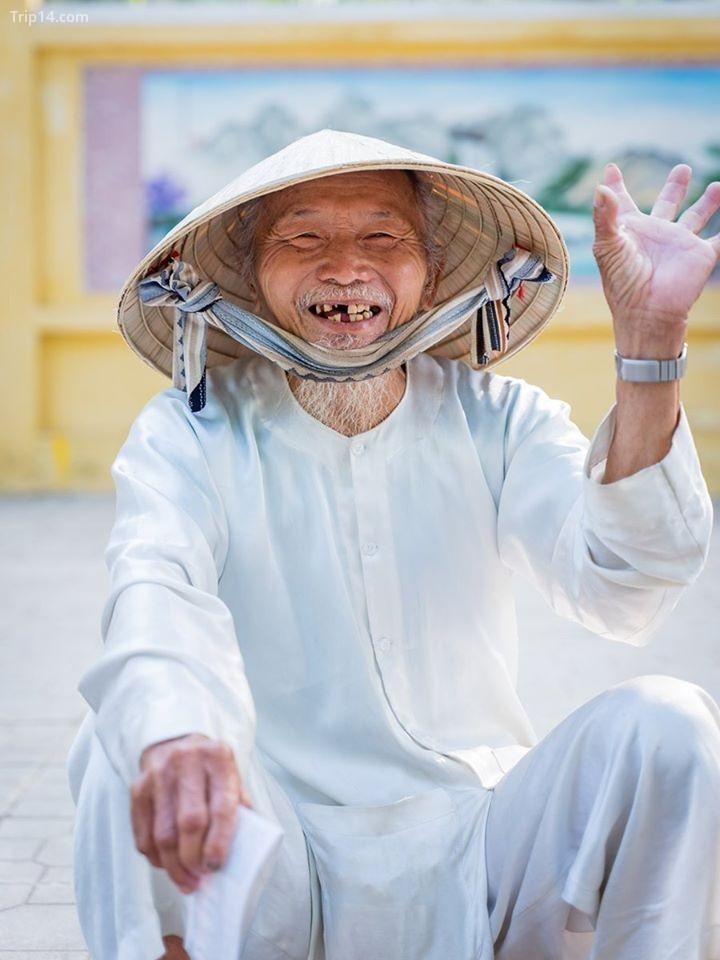 """Bức ảnh """"Xin chào Việt Nam"""" của tác giả Andy Lam, ghi lại nụ cười của cụ già 86 tuổi"""