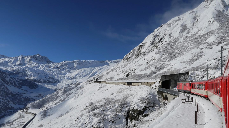 Những cung đường tàu có phong cảnh đẹp nhất ở Thụy Sĩ