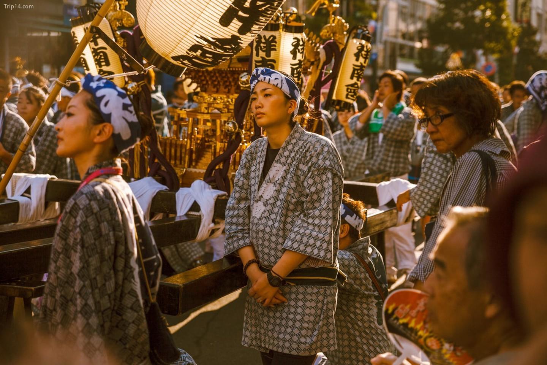Những bộ quần áo đẹp và những ngôi đền trong lễ hội Kichijoji   |   Mithila Jariwala /