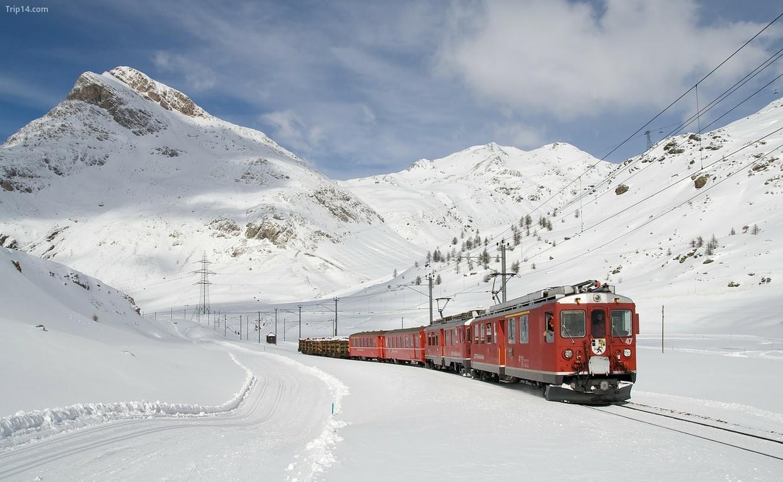Bernina Express vào mùa đông    