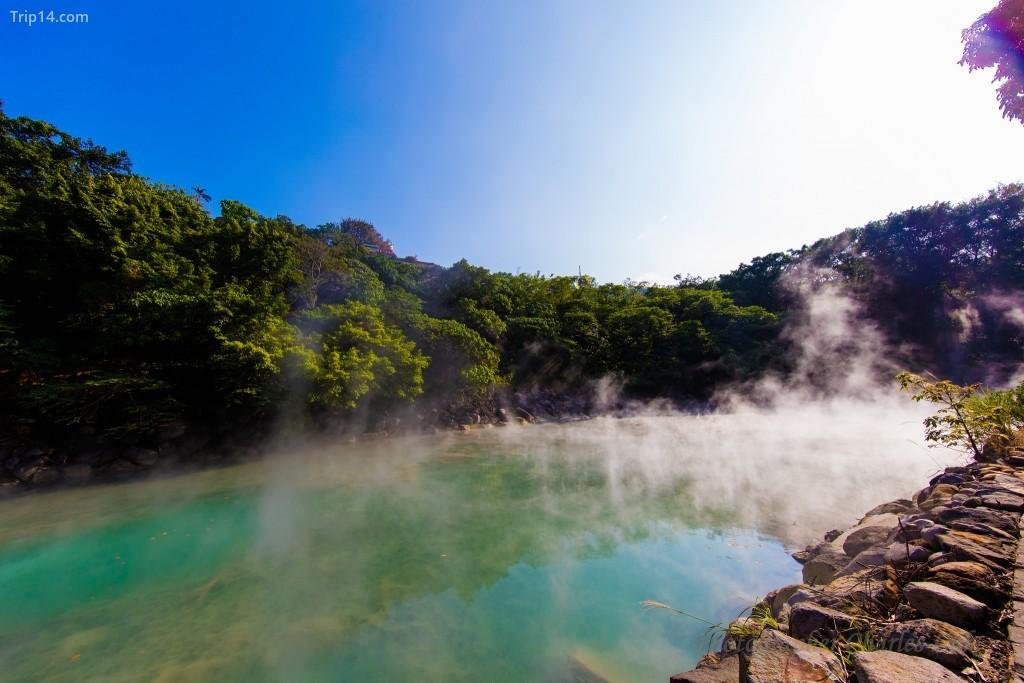 Suối nước nóng ở Beitou | © Charles Luk / Flickr - Trip14.com