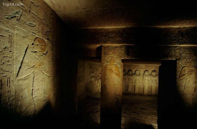 Khám phá bên trong lăng mộ của Nữ hoàng Meresankh III ngay tại nhà bạn