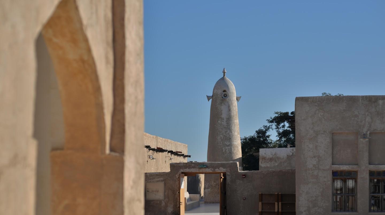 Souq Al Wakrah, ngay bên ngoài Doha, nổi tiếng với những con hẻm và sân trong đẹp như tranh vẽ cũng như khu mua sắm