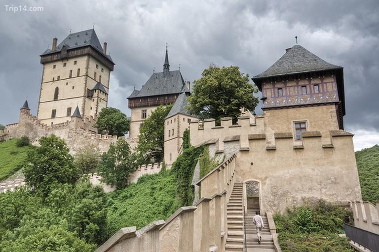 Cầu thang đến lâu đài - Trip14.com
