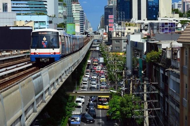 Một góc Bangkok - trông như một rừng bê tông