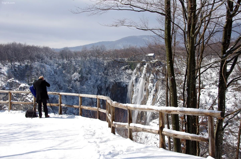 Snježana - cảnh tuyết rơi ở Plitvice   |   Donald Judge / Flickr