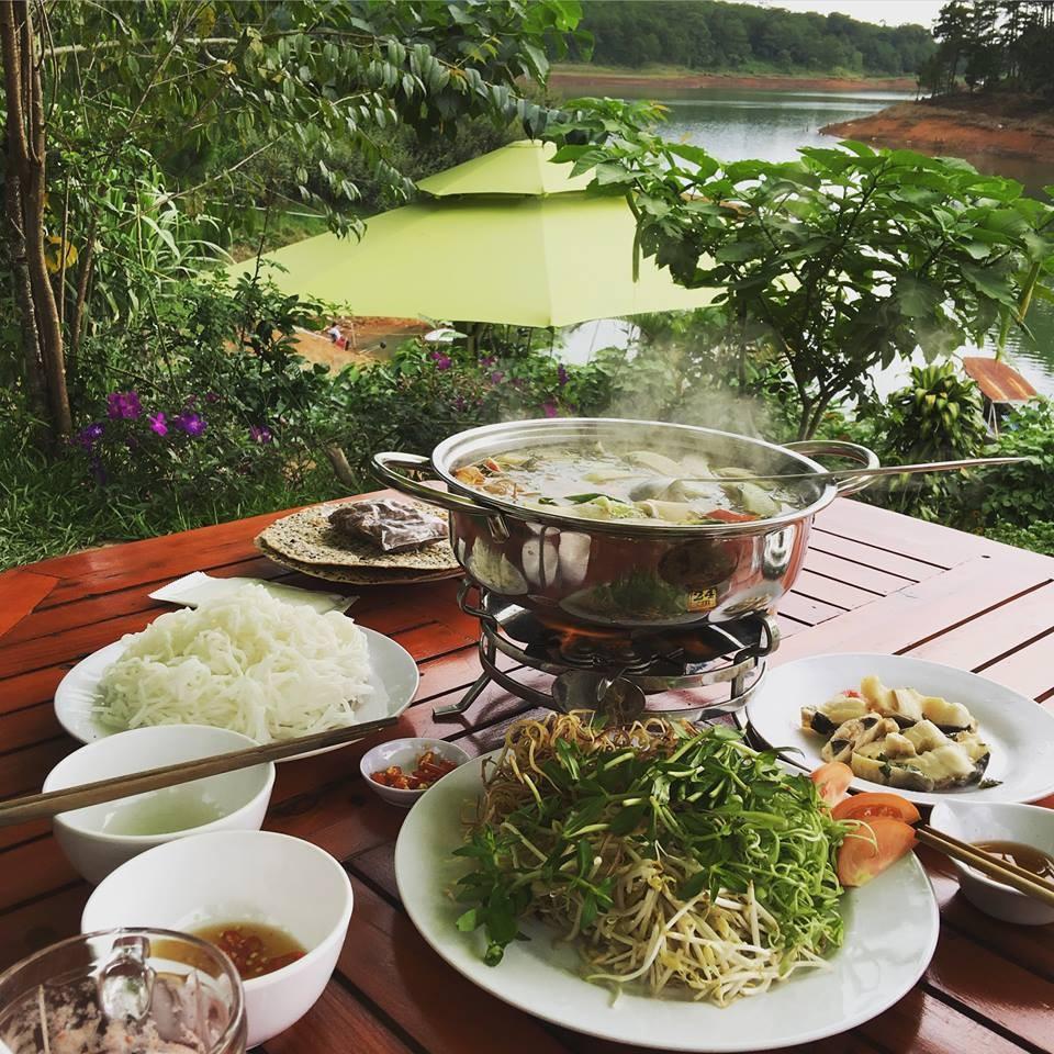 Lẩu cá tầm nấu măng bên bờ hồ - Khám phá hồ Tuyền Lâm ở Đà Lạt - Ảnh 8
