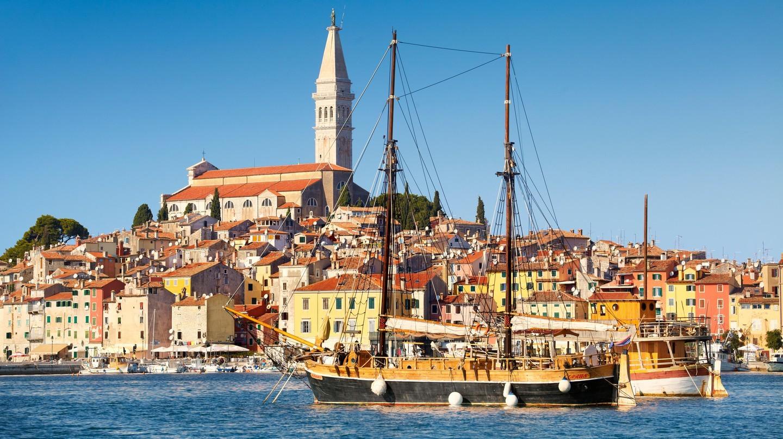 Thị trấn cổ và cảng cá Rovinj, ở Istria, Croatia