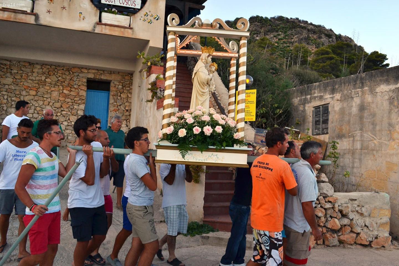 Isola di Levanzo, Sicily   |