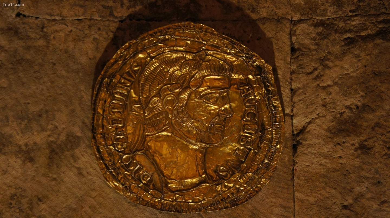 Chi tiết từ Cung điện Diocletian ở Split   |   brownpau / Flickr