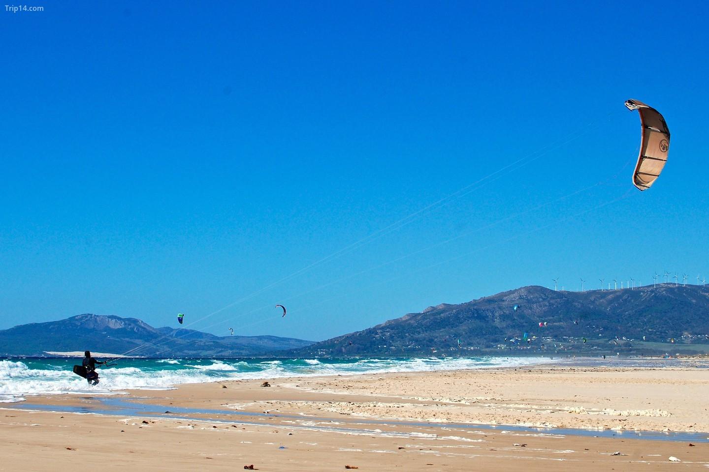 Lướt ván diều ở Tarifa    
