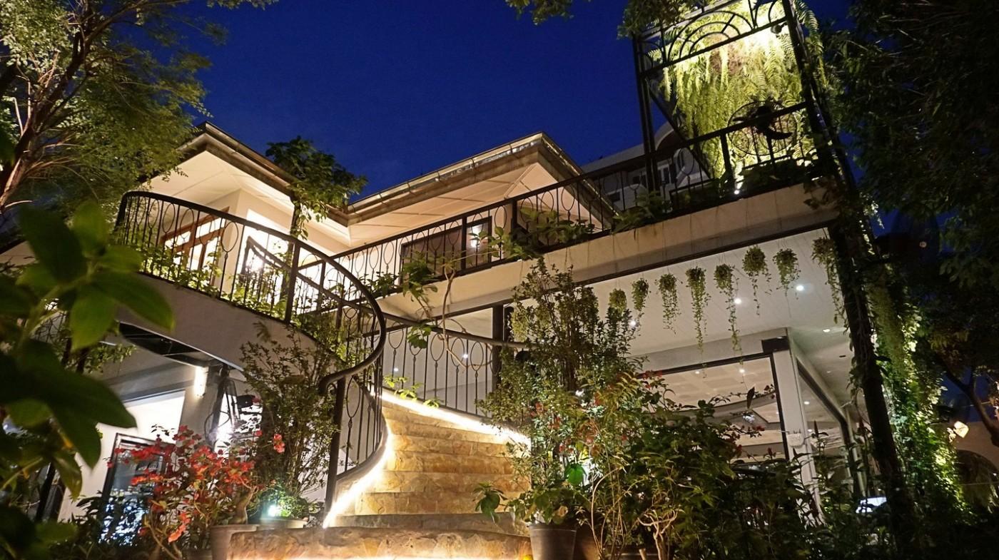 Các quán bar và nhà hàng có chỗ ngồi ngoài trời đẹp nhất ở Bangkok