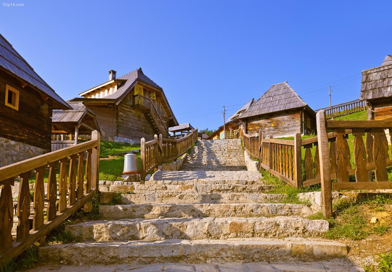 Mokra Gora là nơi có Drvengrad bình dị