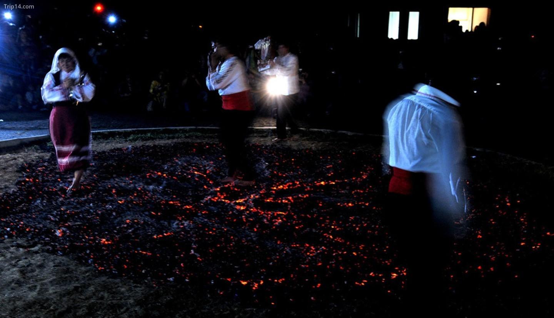 Đốt lửa ở làng Balgari