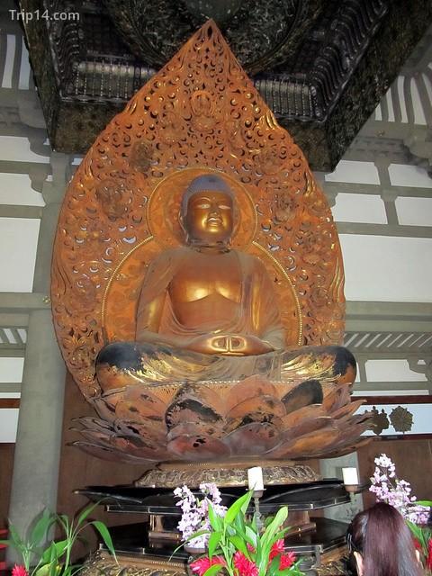 Đức Phật Amida Nyorai tại chùa Byodo-in - Trip14.com