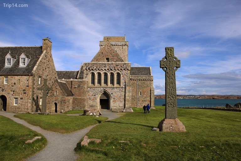 Tu viện Iona thấm nhuần Isle of Iona với một cảm giác tâm linh © Lynne Sutherland / Alamy Kho ảnh