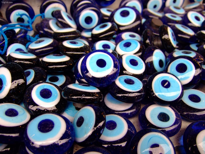 Mắt ác được sử dụng để chống lại việc bị jinxed
