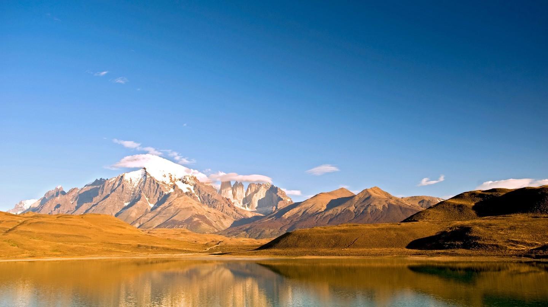 Vườn quốc gia Torres del Paine ở Chile được đặt tên theo ba tháp đá đặc biệt của nó
