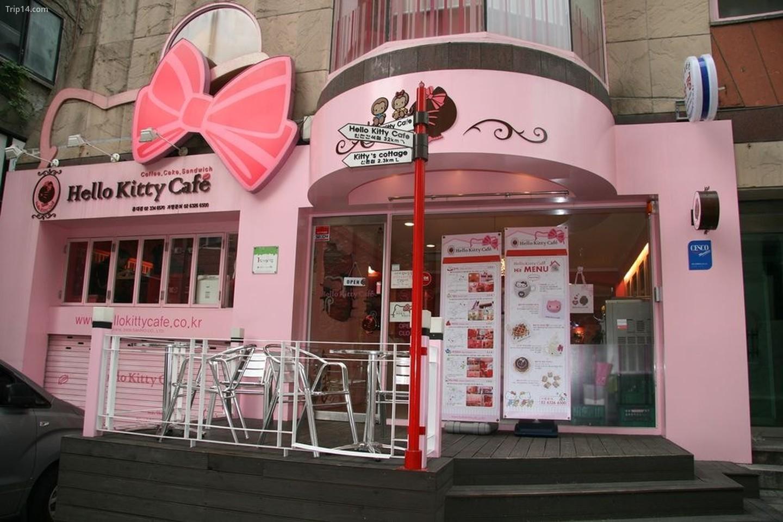 Quán cà phê Hello Kitty ở Hongdae, Seoul, Hàn Quốc    