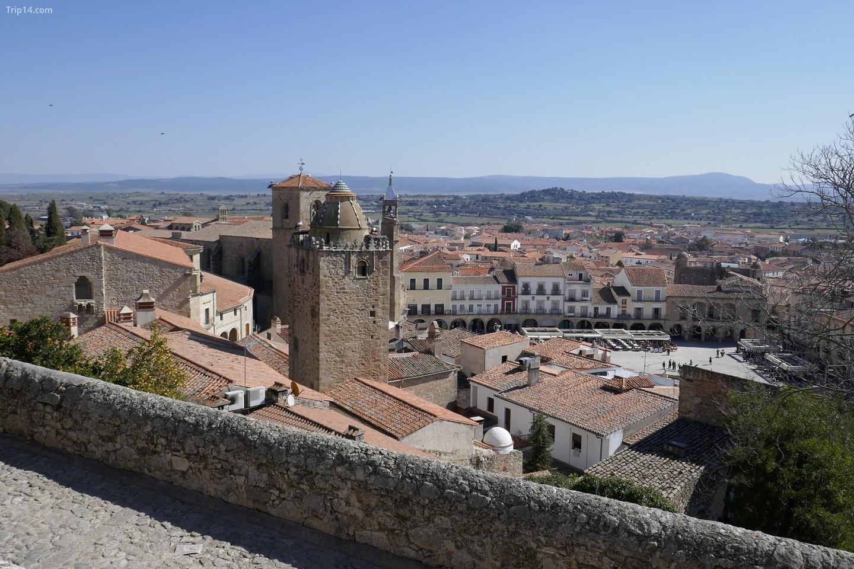 Trujillo có một trong những quảng trường chính đẹp nhất Tây Ban Nha.   |