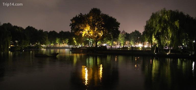 Hồ Tây, Hàng Châu về đêm