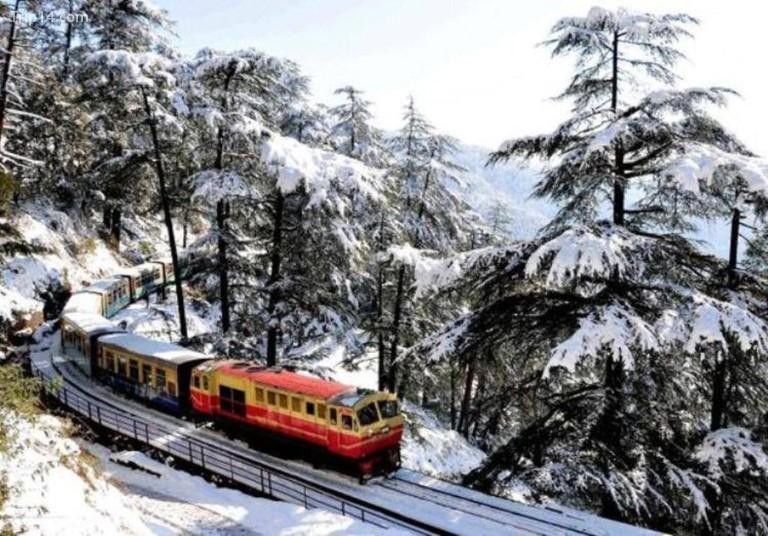 Tàu đồ chơi Kalka Shimla vào mùa đông © Jannat-e-Shimla / Facebook
