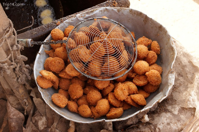 Falafel là một món ăn phổ biến và có thể ăn cả sáng, trưa và tối
