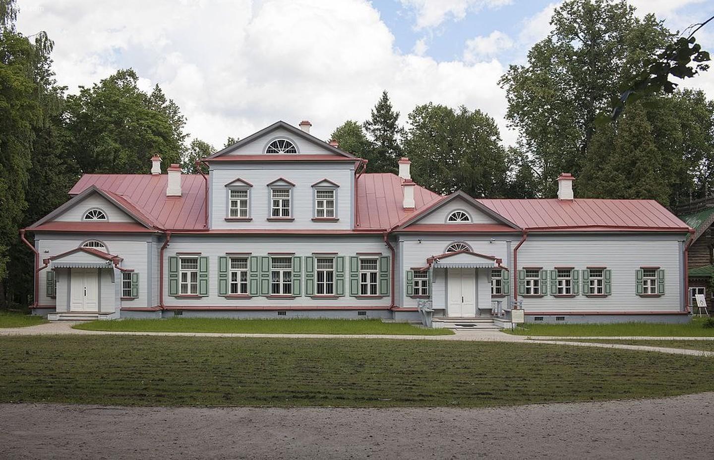 Abramtsevo Museum-Reserve   |
