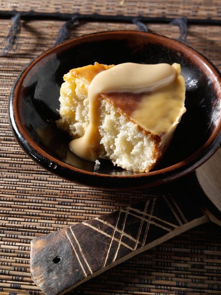 Malva pudding là một món ăn cổ điển của Nam Phi và đã được phục vụ cho những người giàu có và nổi tiếng