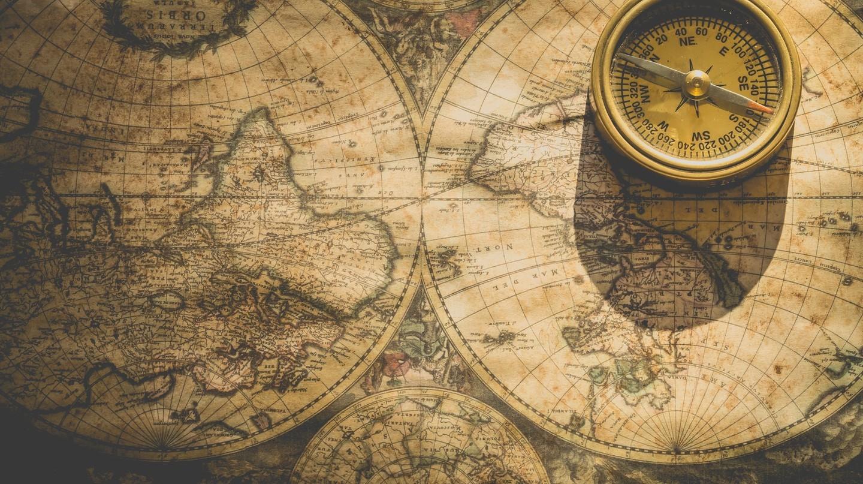 La bàn và Bản đồ |  © Ylanite Koppens / Pexels